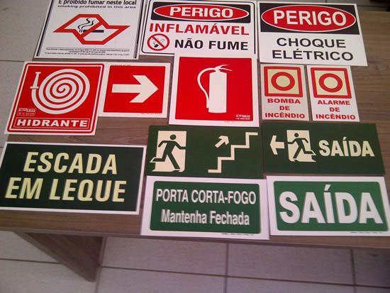 Placas sinalizadoras em Taubaté